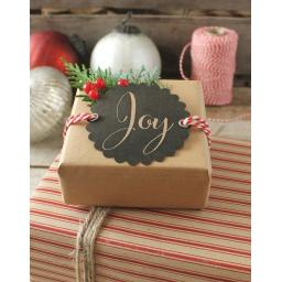 Scalloped round chalk tags x 10 - Joy