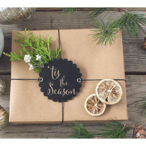 Scalloped round chalk tags x 10 - 'Tis the Season